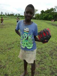 Child-with-baseball-mitt-P1000102